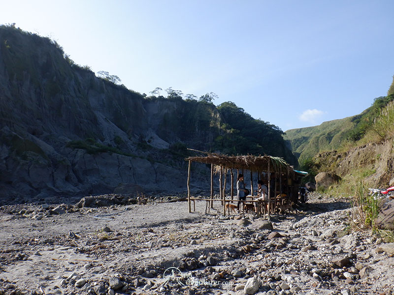 mt pinatubo one adventurer hike rest