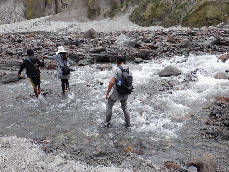 mt pinatubo one adventurer trail streams