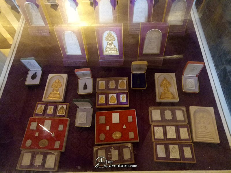 amulets in wat pho museum